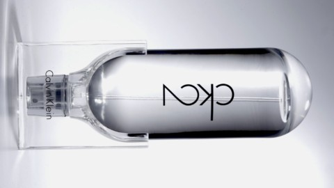 Calvin Klein dévoile CK2, le parfum mixte