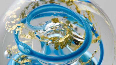La Cristallerie des Parfums dévoile ses flacons en cristal et en or